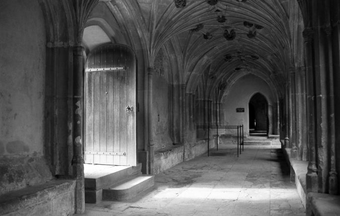 mimblewimble-harry-potter-lacock-abbey-b-w-1556713